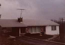 moms sparrowbush home 1979 02