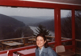 moms sparrowbush home 1979 04